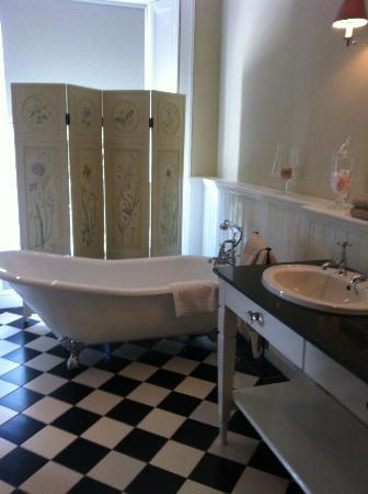 No. 1 Pery Square Hotel & Spa: Fab Bathroon