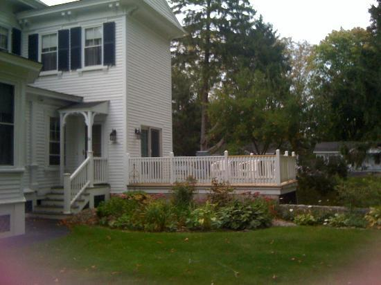 Maine Stay Inn and Cottages: View of Room 14 iwth Decking and Private Entrance