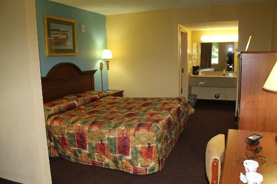 Super 8 Dania Fort Lauderdale Airport Port Everglades : Our Room