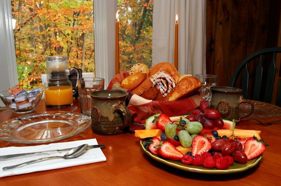 Shaker Mill Inn: Breakfast