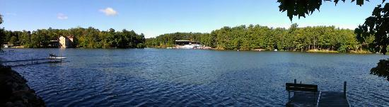 Cliffside Resort & Suites: Beautiful view of Lake Delton and ski show
