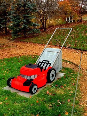 Reiman Gardens: Lawn mower Lego sculpture