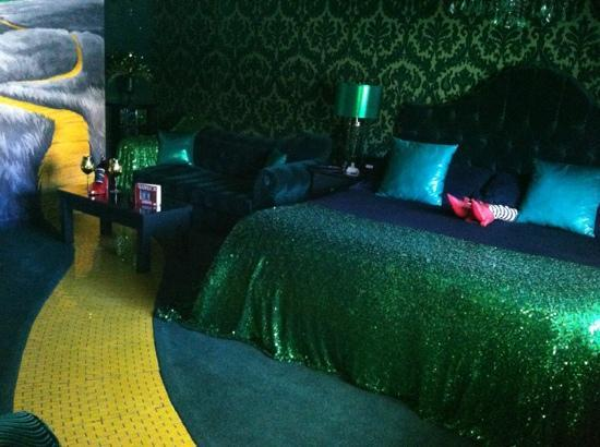 Roxbury, NY: Wizard of Oz room
