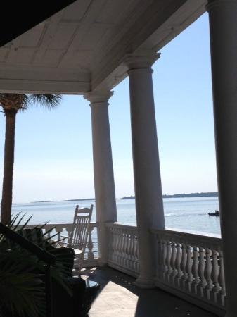 Palmer Home Bed and Breakfast: View from the second floor piazza...
