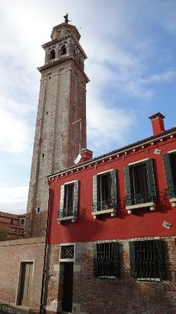 Santa Margherita Guesthouse: Church tower nearby