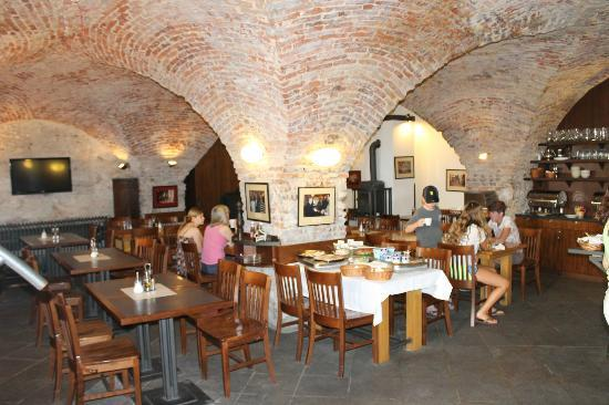 Archibald At the Charles Bridge: Breakfast/Dining Room - in hotel celler