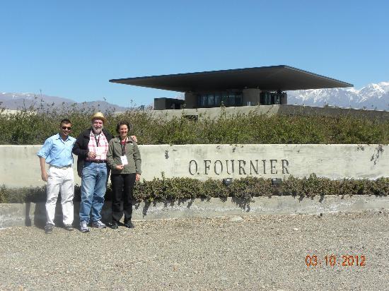 Gustavo Delucchi Wine Tours : Visita a O Fournier Gustavo Walter Angela