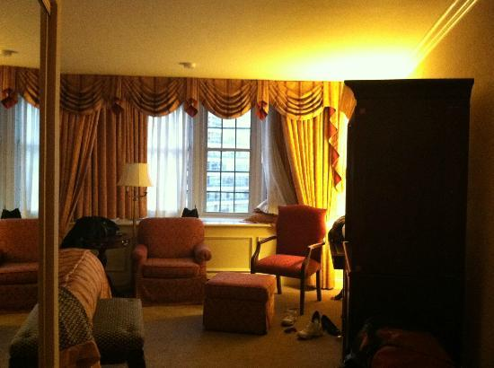 The Pfister Hotel: tower room