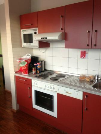 The Circus Hostel: kitchen