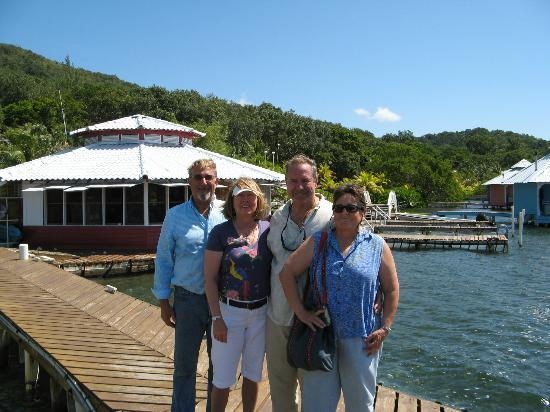 Mango Creek Lodge: Good bye Terry and Patrice. You are wonderful hosts!