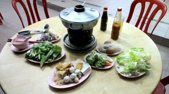 Cameron Organic Produce: Organic steamboat with seafood