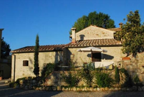 Residence Selvatellino: Beautiful east side morning sun.