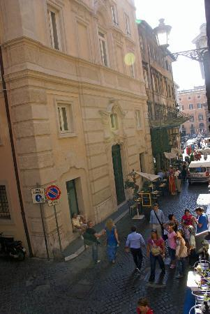 Town House Fontana Di Trevi: All major sites are within walking distance...