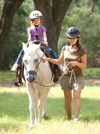 BlissWood Bed and Breakfast Ranch: Horseback riding with Carol