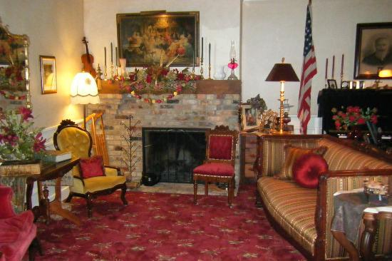 Old Church House Inn: The living area that's all yours, not shared.