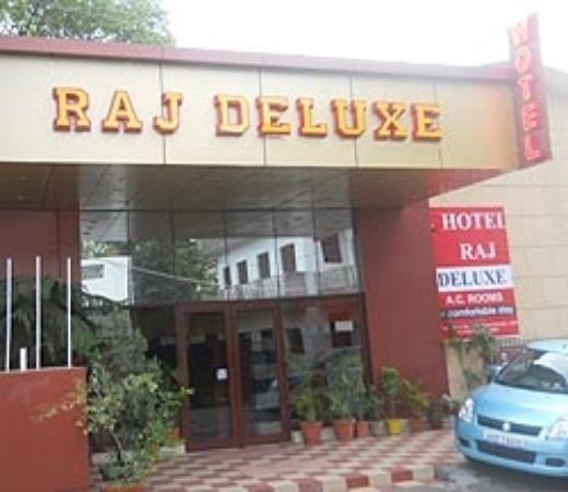 Hotel Raj Deluxe
