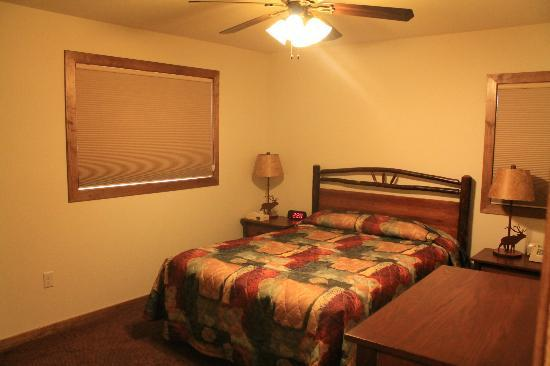 YMCA of the Rockies: Main bedroom