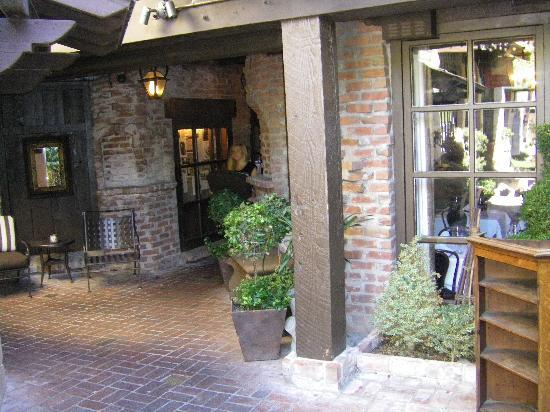 Four Points by Sheraton San Rafael: photo of entry to nice restaurant in neighboring community Mill Valley