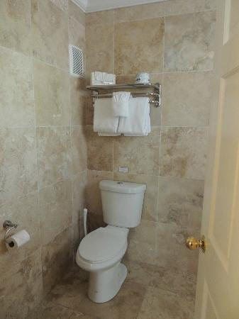 Merlin Guest House Key West: bathroom unit 22