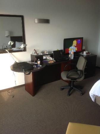 Fiesta Inn Monterrey Tecnologico: Area de Trabajo en habitación