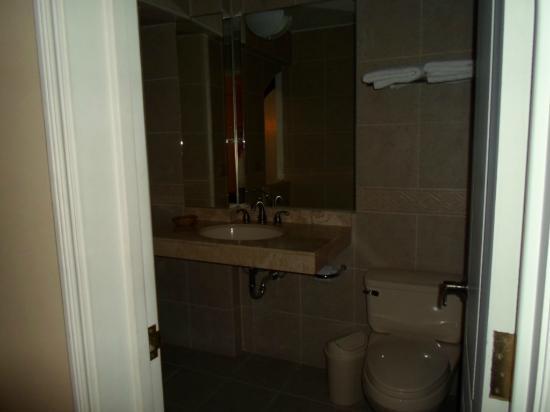 Hotel Asturias: Bathroom - Room 313