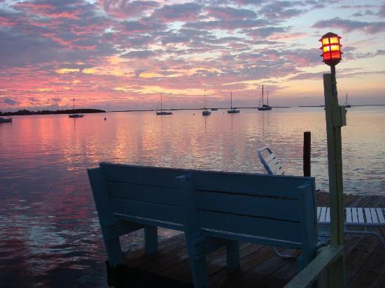 Sunset Cove Beach Resort: Sunset Money Shot
