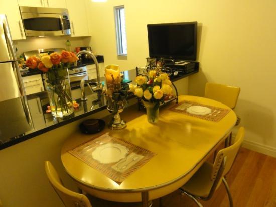 Prive: 大型冷蔵庫、電子レンジ、食洗機、食器、ワイングラスなどゴージャスな滞在に不可欠な「全部」あります!