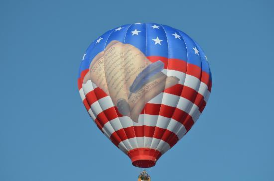 Hampton Inn Statesville: Balloon flying over from Balloon Fest