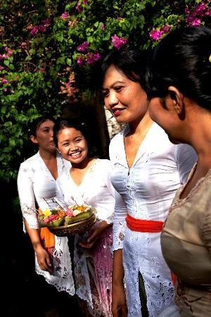 Bali Pavilions: Staff