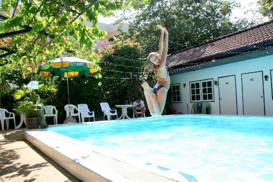 Бассейн Karon View Resort 2012