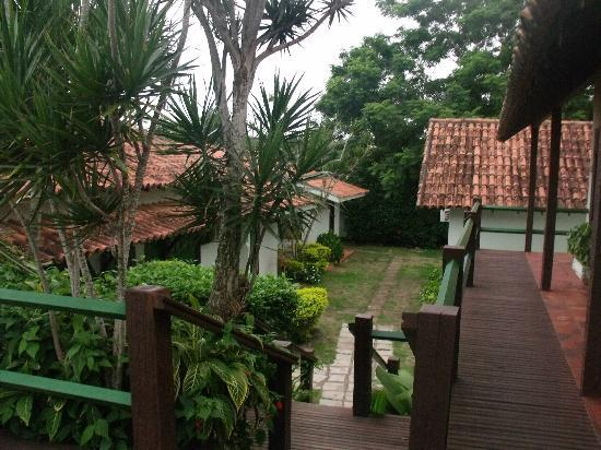 Barla Inn: vista jardin y havitaciones