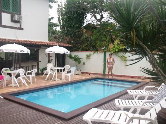 Barla Inn: piscina, havitaciones segundo piso