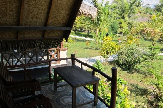 Fantastic Cottages: balcony on standard room
