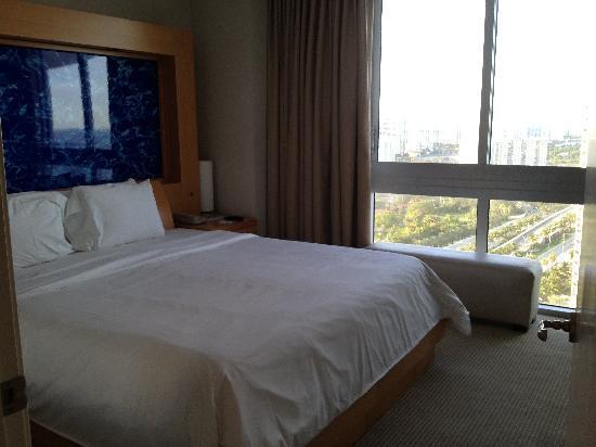 Marenas Beach Resort: Comfy!! Bed