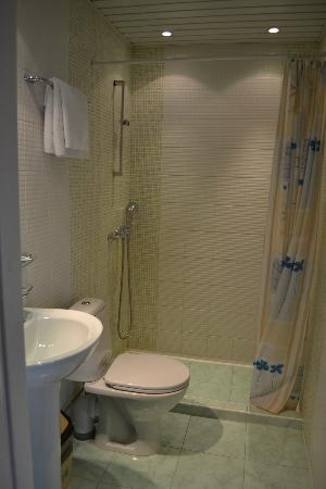 Nevsky Hotel Grand: Bathroom
