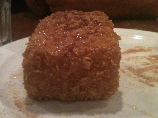 Stone Pipe Grill: Deep fried Ice cream