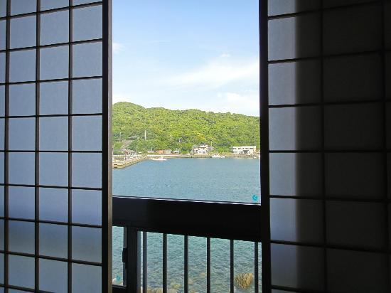 Kasasa Ebisu: 窓外は海