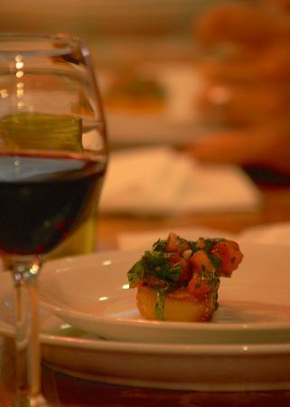 Harvard Cookin' Girl: Wine and Bruschetta