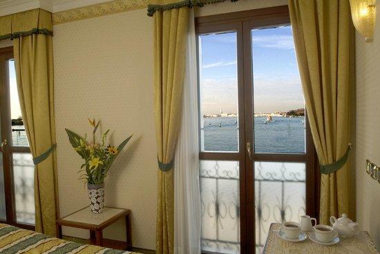 Hotel Panorama: Lagoon view