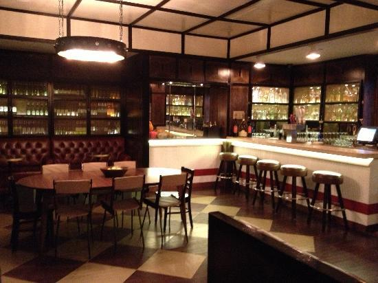 Gild Hall, a Thompson Hotel: Upstairs bar