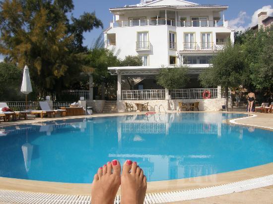 Olea Nova Hotel: классическая фотография возле бассейна