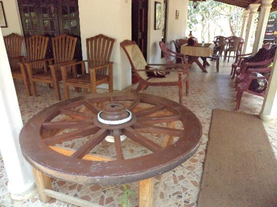 Bangalawa Guest House: at out side