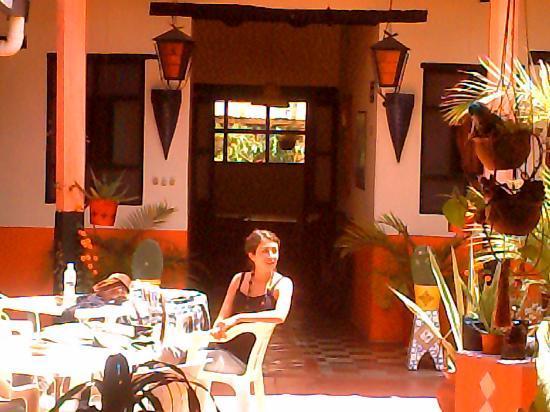 Hostal el Rincon de  los Camellos: patio/ chill-out area