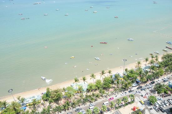 Hilton Pattaya: all room catagories have this view