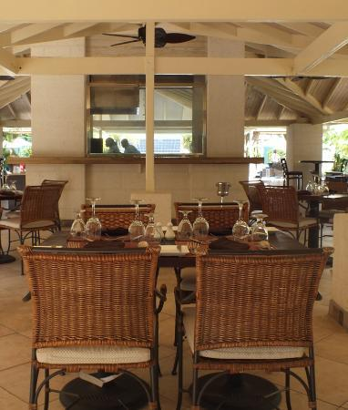 blu St Lucia : Outside dining area