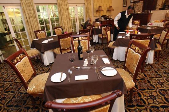 eMakhosini Boutique Hotel: dining