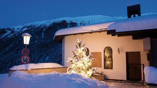 Alpengasthof Pension Praxmar: Außenansicht Appartements Schwarzerhof