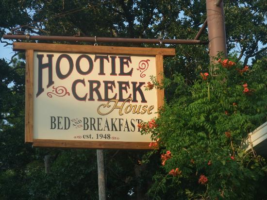 Hootie Creek House Bed & Breakfast: The Hootie Creek