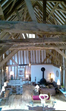 The Barn at Roundhurst : Stunning beamed ceiling in main barn
