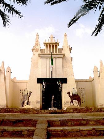Ouargla, Algeria: المتحف الصحراوي ايقونة المعمار الورقلي